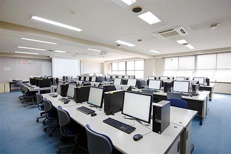 [4F] コンピュータ・CAD実習室