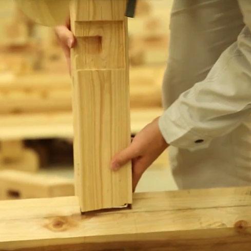 #017 屋根の柱を組み立てる