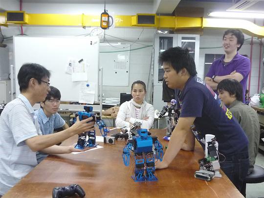 robotclub4.jpg