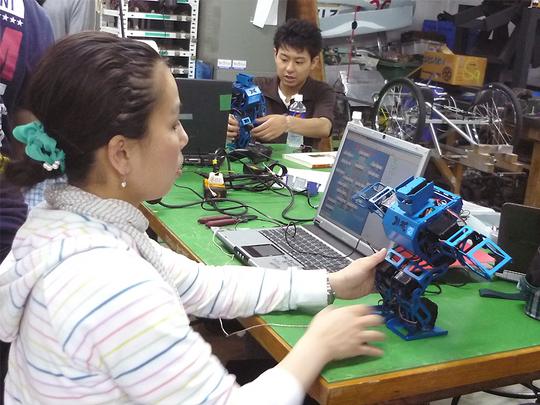 robotclub5.jpg