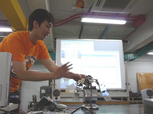 20090829design_event_robot.jpg