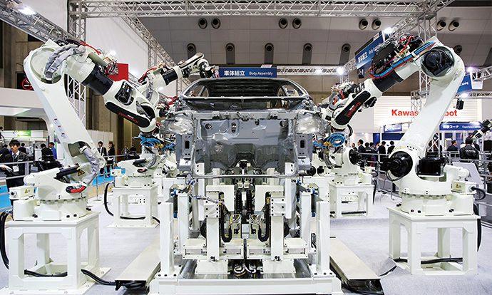 「KT264 」自動車塗装用の産業ロボット 2013年