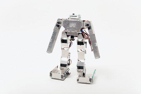 photo: 2足歩行ロボット