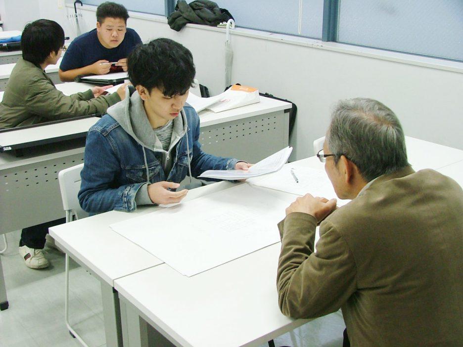 photo: 2年生 施工専攻管理コ-ス 卒業制作中間総見