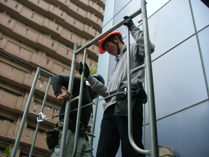 photo: 建築学科2年施工専攻  技術コ-ス 枠組足場組立実習を行いました
