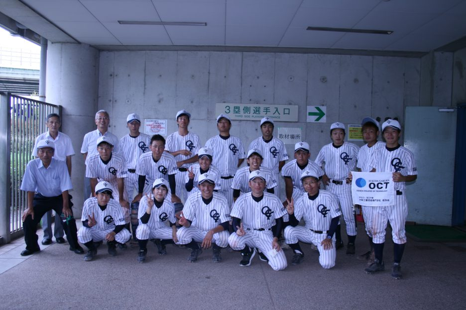 photo: 野球部のナイター練習